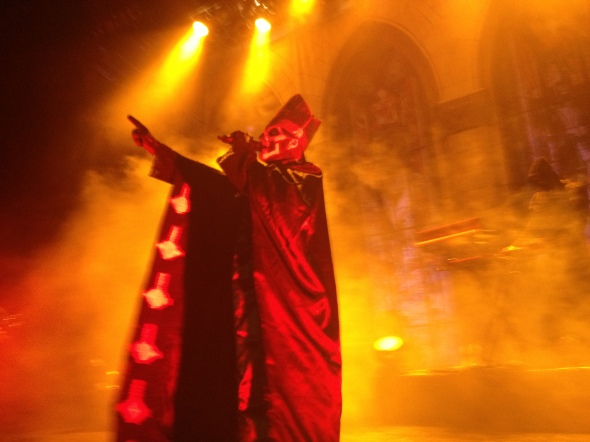 Papa Emeritus preaching to the crowd. Photo by Alec Damiano.